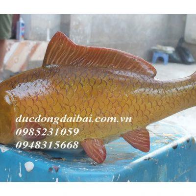 Tượng cá chép tả thực