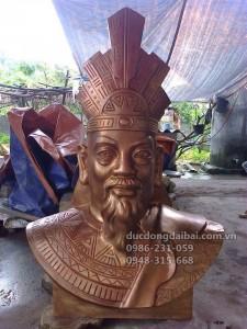 Đúc tượng Vua Hùng