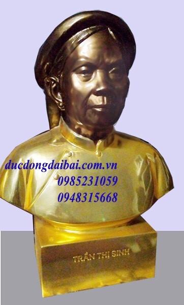 Đúc tượng chân dung bằng đồng cụ bà mạ vàng 24k